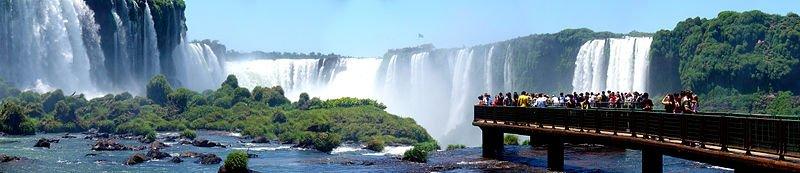 800px-Iguazu_Décembre_2007_-_Panorama_7
